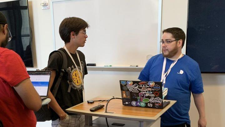 DocuSign PM Matt King engages with a CalHacks attendee